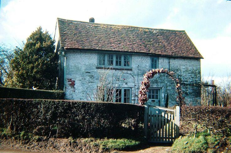 Holmer Green, 'Cross Ways' Cottage | by Stuart Kings