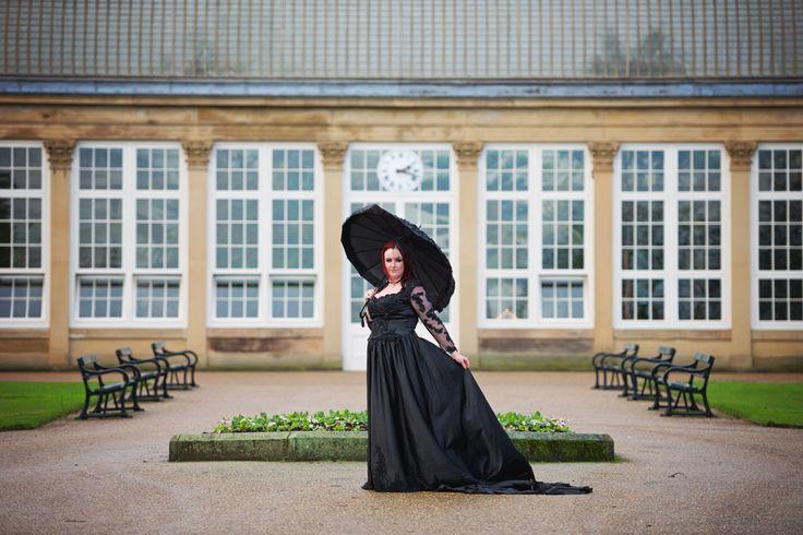 9 best Plus size gothic alternative bride images on Pinterest ...