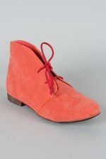Can't get enough coral right now. By Breckelle.