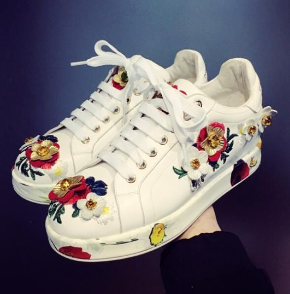 Womens Mixed Color Flowers Lace Up Flat Heels Sneakers Embroidery Sequins Shoes