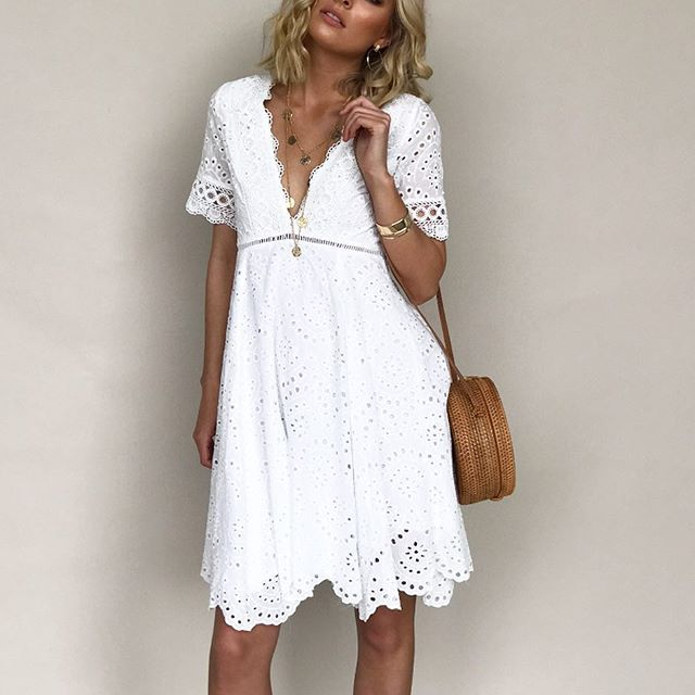 No words 🙌🏻🌾 Crystal Coast Midi Dress #whitedress #details #raceseason #shopthelook #ginghamandheels ➰