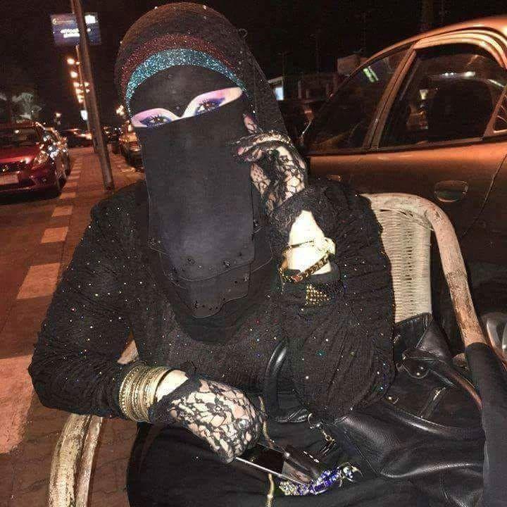 سعوديات ثريات يستغلن فقر شبان ويعرضن عليهم الزواج Biker Boot Marriage Stuff To Buy