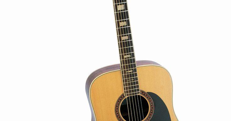 Como consertar a tampa de um violão. Como violões precisam de corpos grandes e ocos para reverberar o som produzido pelas cordas, eles podem ser difíceis de carregar, levando a choques e colisões que podem causar rachaduras. Consertar uma tampa de violão rachada pode ser feito sem ter que ir a uma oficina de instrumentos musicais cara. Com alguns materiais encontrados facilmente você ...