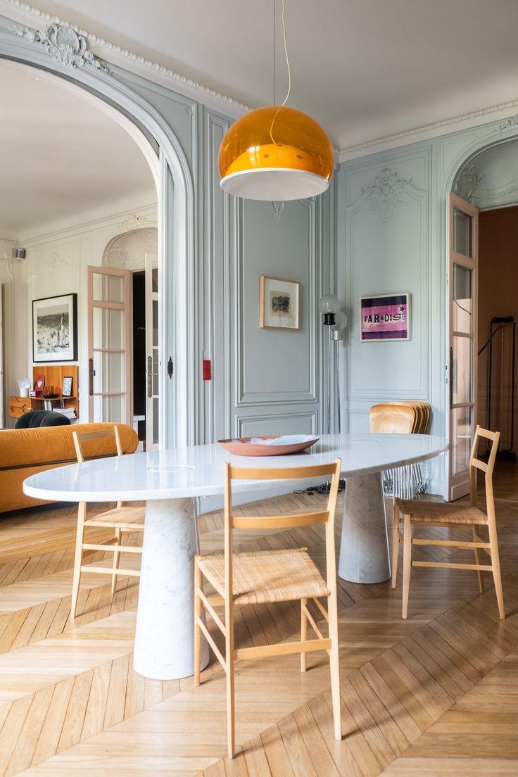 Desk de salle à manger en marbre ovale