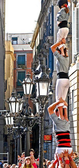 Castellers - Menschentürme in #Barcelona. Volkssport der Katalanen und Ausdruck des Sozialverhaltens.