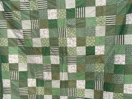 Jeté de canapé jeté de canapé Patchwork - dominante: vert Coton et intérieur en ouate de coton L:148cm x l:135 poids: 800 3 housses de coussin (40 x 40) assorties, fermées par fermeture éclair offertes