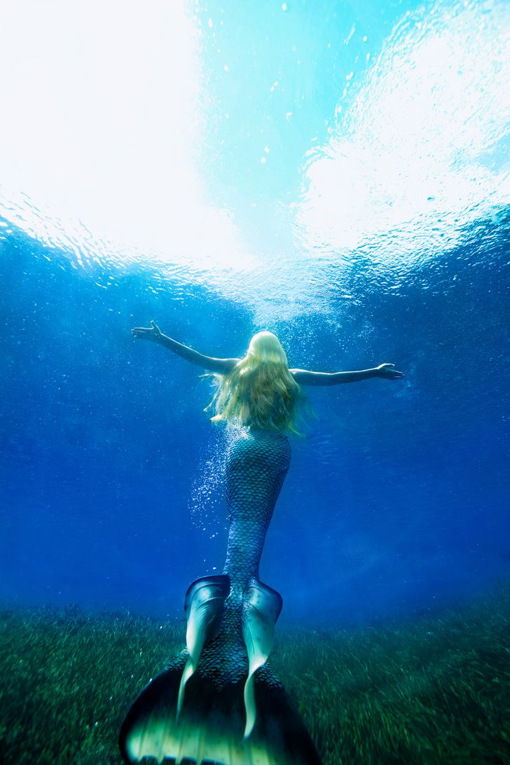 Are mermaids real 5 real cases of mermaid sightings - Real Life Mermaid Melissa In Florida U Is Known For Travelling Across The Oceans Entertaining At Live Mermaid Events Mermaid Shows And Underwater