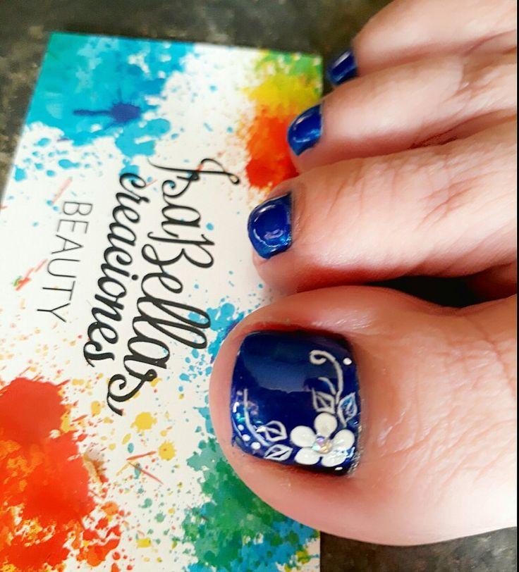 #arteconamor #uñaslindas #beauty #Isabel #flores #pies #nails #masglo #coloratractiva