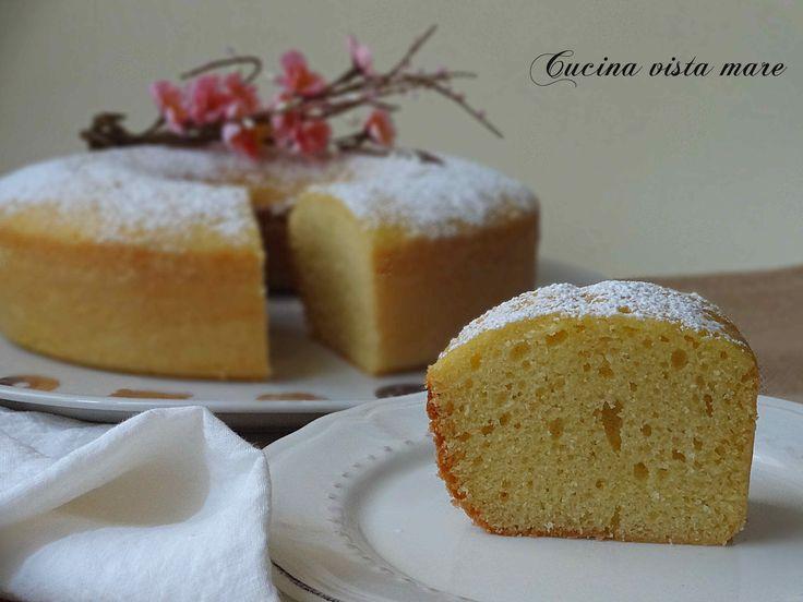 La ciambella al limone nel fornetto Versilia è soffice, delicata, semplice, profumata al limone per una colazione o una merenda golosa!