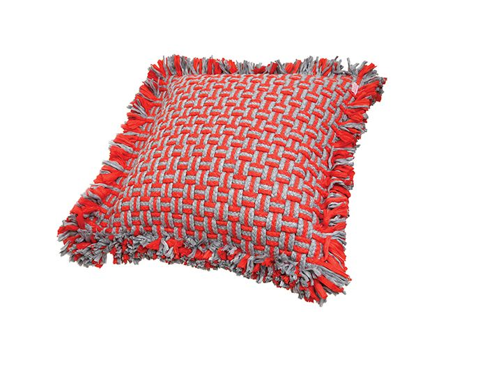 Darono | IN | OUT | Guarani Pillow #darono #design #decor #textile #complements #moderndecor #complements #moderndecor #indoor #indoordesign #indoordecor #exteriordecor #outdoordecor #interior #interiordesign #interiordecor #room #pillow