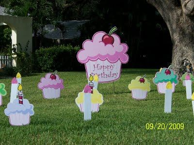 cupcake yard signs   Sweet Sixteen (16) - Sweet Cupcake Lawn Greeting / Yard Card ...