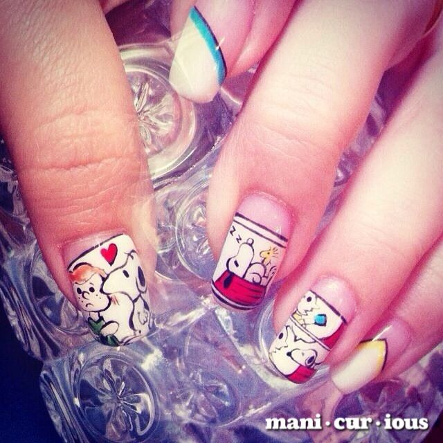hand drawn snoopy nailart design // branch: manicurious