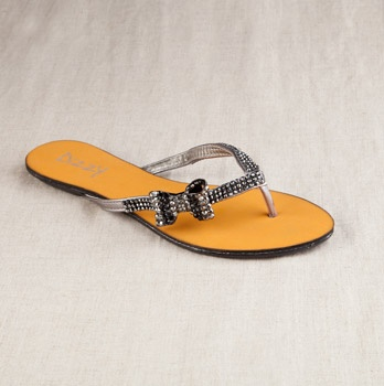 Blowout sale on Totsy.... Hurry almost over, but I love these flippers!