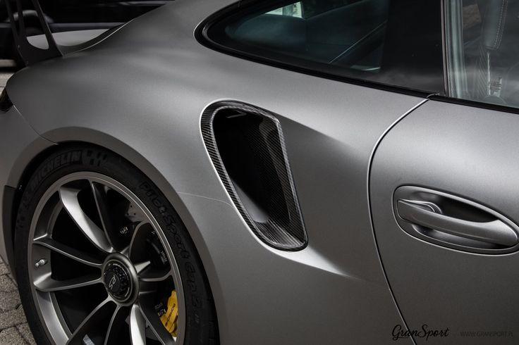 Porsche 911 GT3 RS (991) jest zbyt zwyczajne? 😬  Mamy rozwiązanie i na to! 😈  Zestaw carbonowych dodatków TechArt uatrakcyjnia bezkompromisową odmianę 911 nadając mu jeszcze więcej wyścigowego stylu dzięki połaciom włókna węglowego. Teraz jest jeszcze bardziej sportowo 💪  Oficjalny Dealer TECHART w Polsce GranSport - Luxury Tuning & Concierge http://gransport.pl/index.php/techart.html