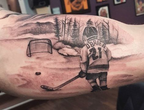 Tattoos have been popular since the 1960's and have been seen on countless famous hockey players around the world. I spent a little time looking into many unique and some of the best hockey tattoos on skin today. Below in no particular order are a few pieces I have fell in love with as a hockey fan.