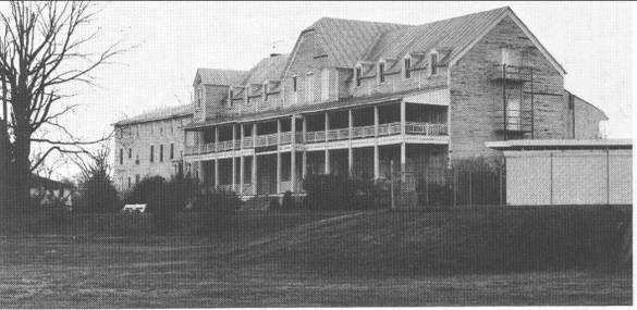 Colonial Beach Hotel