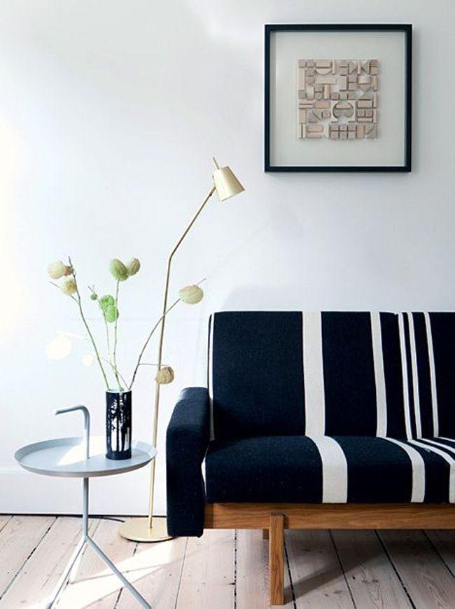 Mesa y lampara mobiliario escandinavo estilo for Lamparas estilo escandinavo