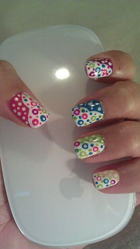 Bubbles!: Nails Art D, Colors Parties, Bubble Nails, Nailart, Colors Bubbles, Bubbles Nails, Bubbles Design, Colorful Bubbles, Dots