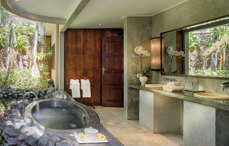 Enjoy a magical bath experience at Villa Kubu.❤️ 🌺  www.villakubu.com #villakubu #villa11 #seminyak #jacuzzi #love #luxury #islandlife #wanderlust #sanctuary #globetrotter #paradise #haven
