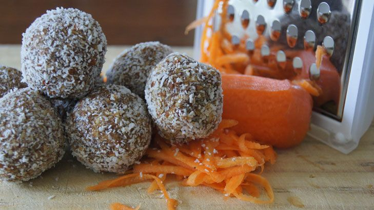 No bake carrot cake balls - easy to make and taste super delicious
