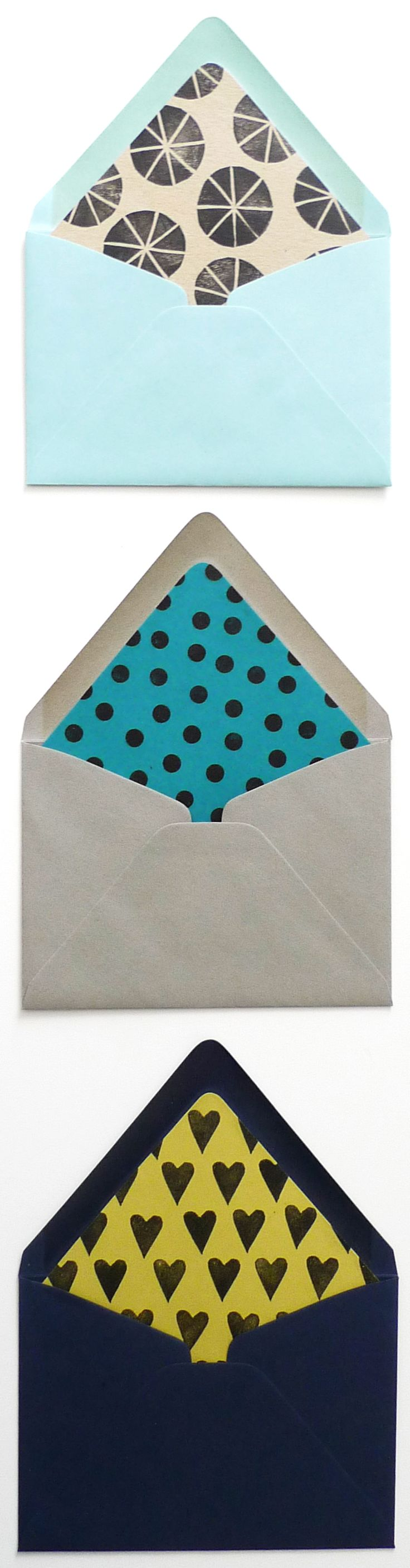 DIY envelope liners, using hand carved linoleum stamps to print your own pattern. Sure to impress any pen pal, and could even be used for wedding invites!