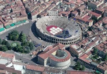 #Verona conserva molti monumenti di epoca romana, edificati nel I secolo a.C. subito dopo la fondazione della città.