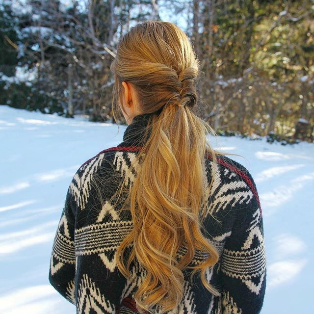 A new pictorial is up on MissySue.com for this Topsy Tail Pony! ❄️ Quick + easy  Link in my bio! #missysueblog