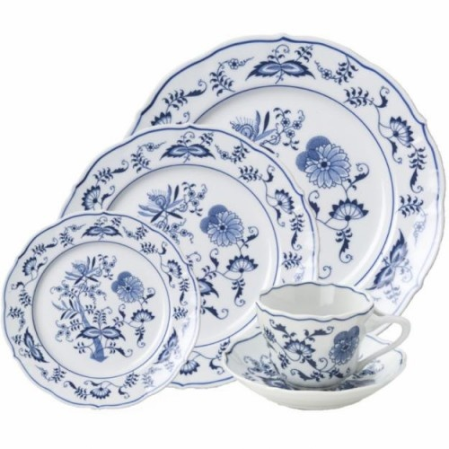 'Blue Danube' pattern, a favorite of mine.  I inherited my mother-in-law's complete set for 12 place settings and all accessories.