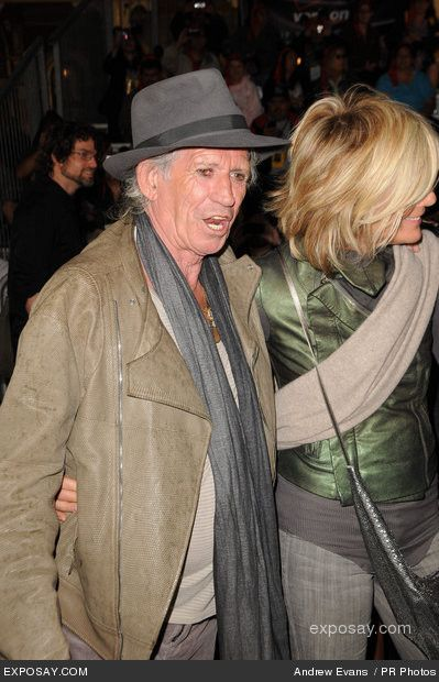 Keith Richards and Patti Hansen -  Side view of her fabulous hair!