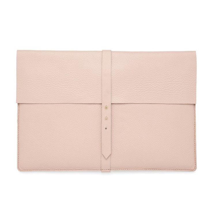 Leather Laptop Sleeve Blush $125 from Cuyana // Gifts for the Moms #giftsformom #giftguide #holiday