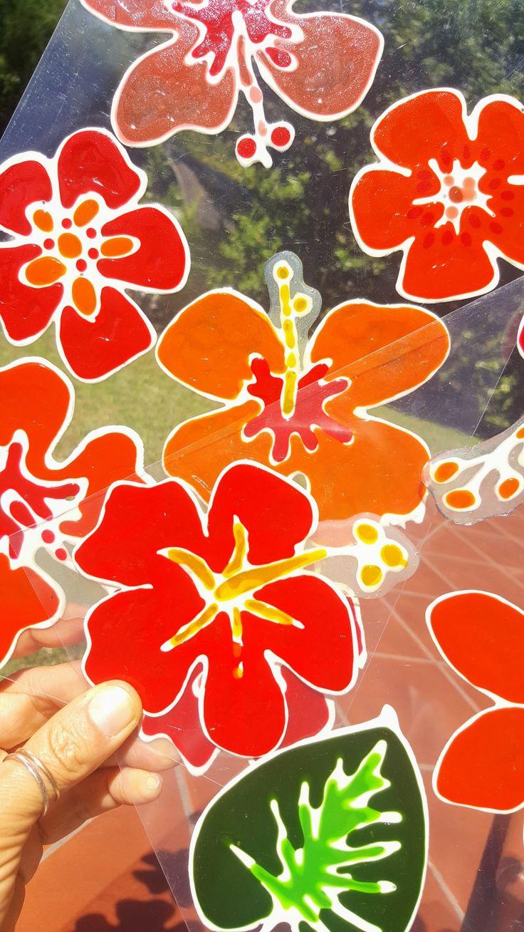 Ibiscus Vetrofania realizzata con window colors  Associazione ColoriAmo Vivere di Colori