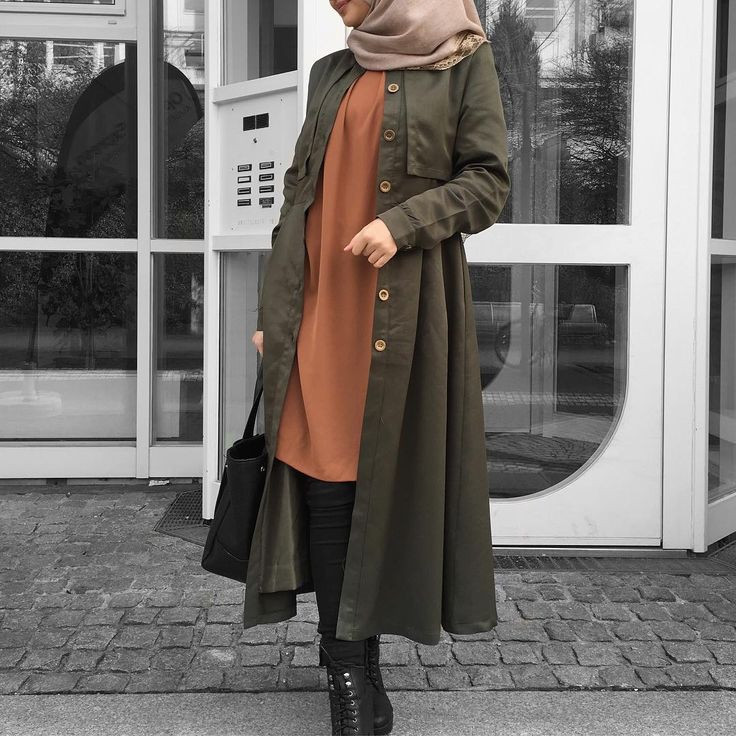"4,138 Likes, 50 Comments - Ebru (@ebrusootds) on Instagram: ""'Cause less is more  Dress / Kleid / Elbise  @ezaboutique"""