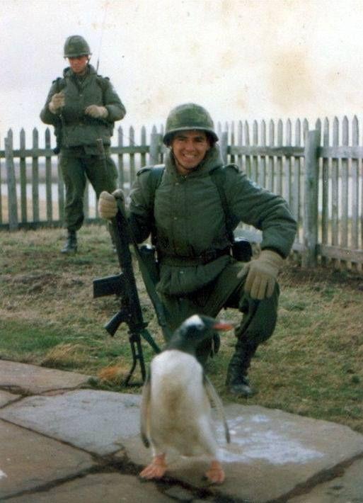 dos soldados argentinos en las islas.