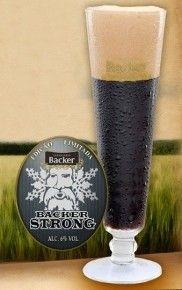 Cerveja Backer Strong, estilo Dark American Lager, produzida por Cervejaria Backer, Brasil. 6% ABV de álcool.