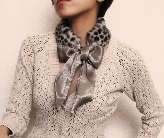 Love this wintery accessory, and so esay to DIY