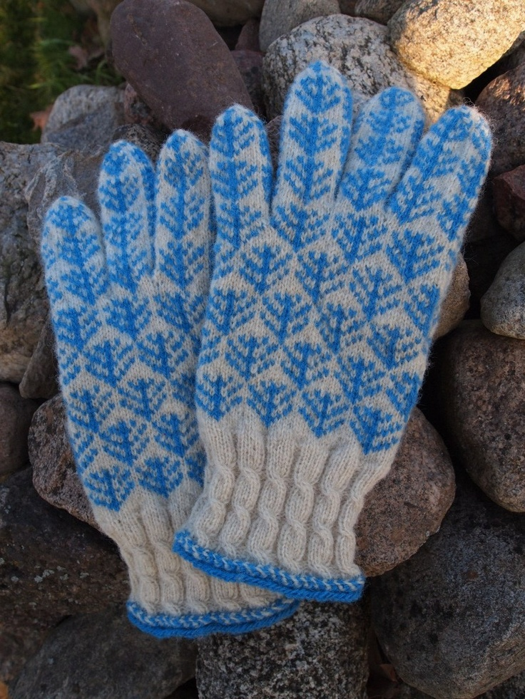 Finely Knitted Estonian gloves
