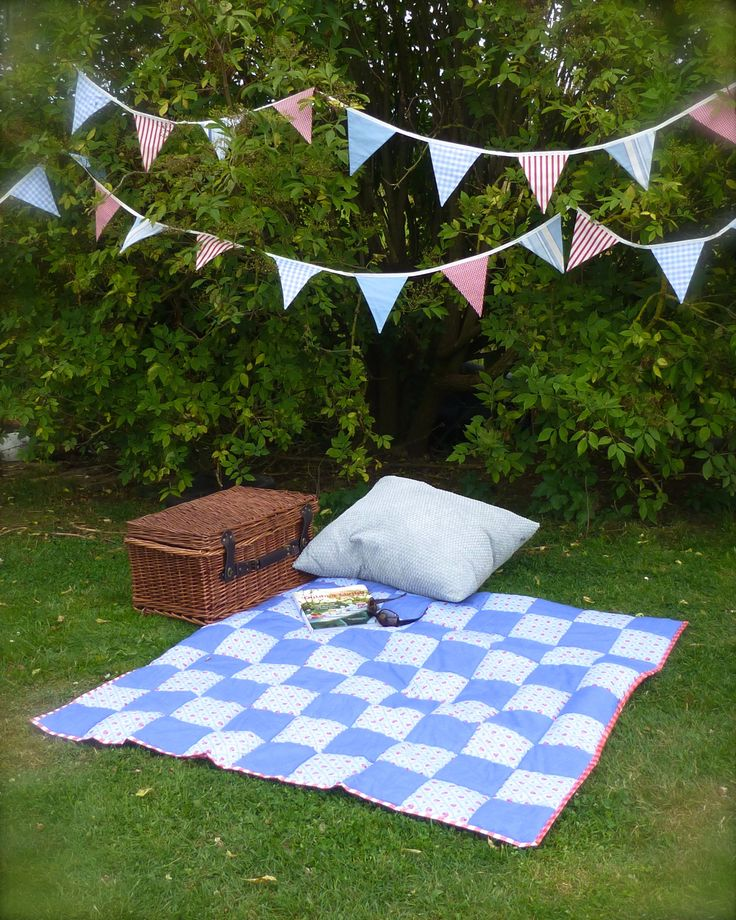 How to make a patchwork picnic blanket rug with waterproof backing and carry pack