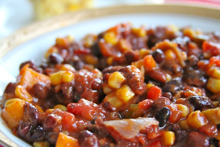 vegetarian chili: Beans Vegetarian, Cooker Recipes, Crockpot Recipes, Meatless Meals, Double Cornbread, Vegetarian Chilis, Southwestern Vegetarian, Chilis Végétarien, Cornbread Recipes