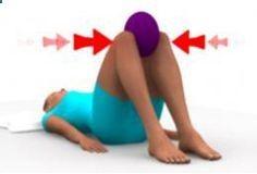 Yoga-Get Your Sexiest Body Ever Without - Exercice préféré des coachs pour muscler l'intérieur des cuisses. Si vous devez choisir un seul exercice pour raffermir l'intérieur de vos cuisses, alors ne cherchez pas plus loin, celui-là est ultra ciblé et terriblement efficace ! Consigne : allongé sur le dos, jambes fléchies, placez un ballon entre vos genoux puis pressez le fortement tout en expirant. Maintenez la pression pendant 2 à 3 secondes puis relâchez et recommencez. - In Just One ...