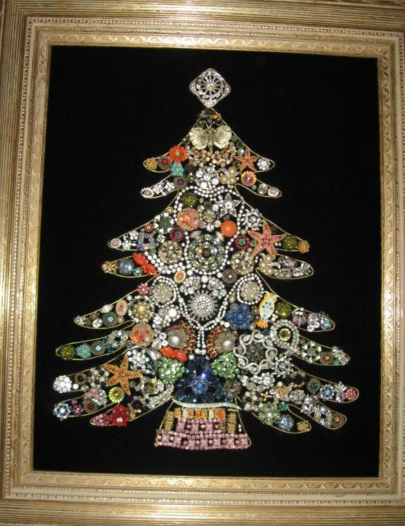 The 25+ best Jeweled christmas trees ideas on Pinterest | Jewelry ...