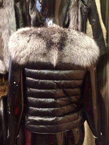 Цена со скидкой 16 000  Размер 42,44 #мех#меховая жилетка#шуба#меховой жилет#чернобурка#жилетка из лисы#норка#шуба из норки#