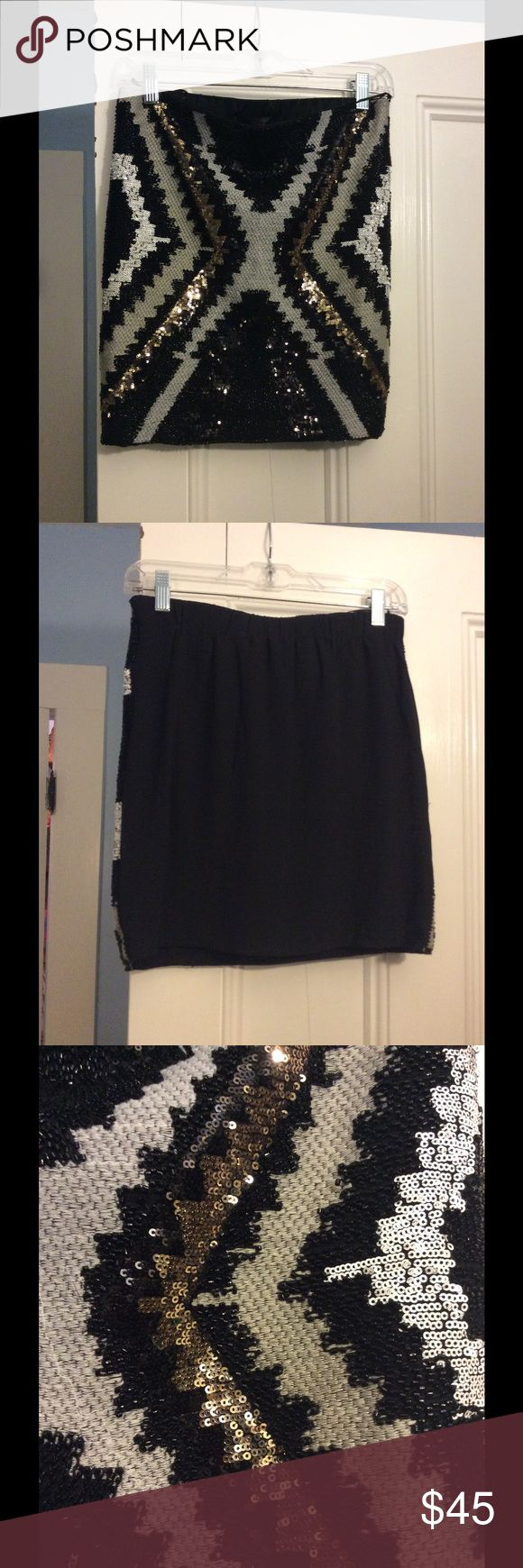 Gorgeous sequin skirt by Romeo & Juliet Couture. The perfect girls night out skirt!  I love this, but it's been sitting in my closet, unworn.  Blasphemy!  Give it the home it deserves!  All sequins intact. Romeo & Juliet Couture Skirts Mini