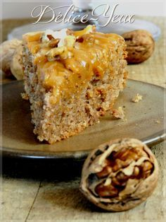 Gâteau Arboisien {Noix & Amandes} nappé de Caramel au beurre salé                                                                                                                                                                                 Plus