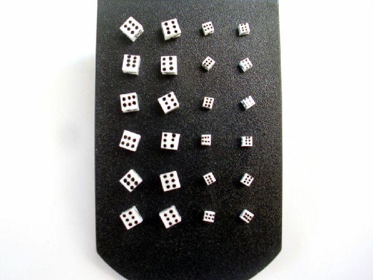 Παιδικά σκουλαρίκια αντιαλλεργικά από ασήμι 925 σε σχέδιο ζαράκια στο http://amalfiaccessories.gr/asimenia-kosmimata/
