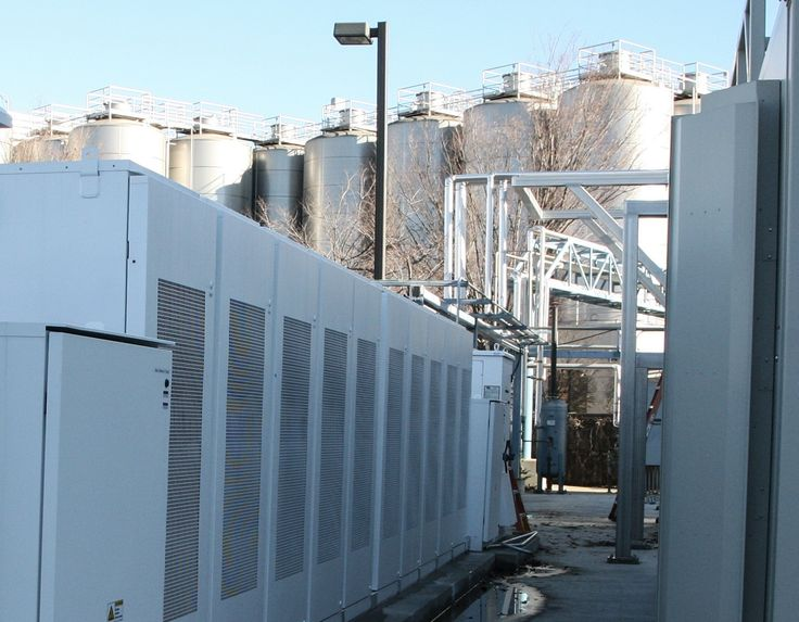 Sierra Nevada Brewing company just installed 500 kilowatts/1 megawatt-hour of Tesla Powerpack batteries at its Chico, California brewery. The Powerpack energy storage system is being used by the craft beer maker for peak shaving (reducing energy purchased from the utility company during peak demand hours) during the energy-intensive brewing process. Sierra Nevada can brew 1.4 million gallons of beer onsite at a time.