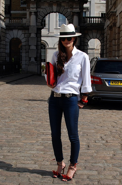 THE STYLE SCOUT - London Street Fashion
