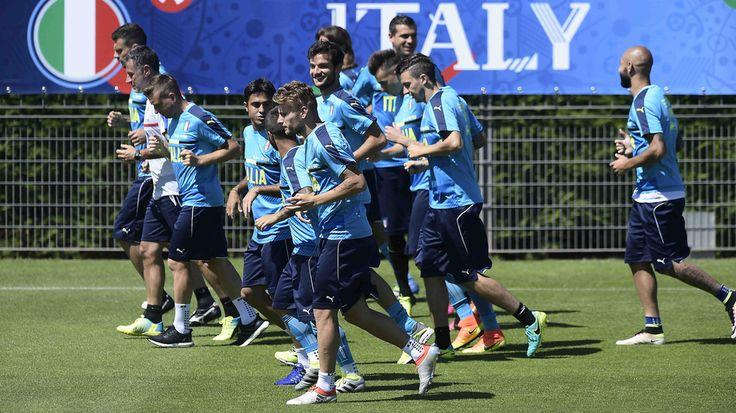 Italia, niente festa per gli azzurri: al lavoro senza De Rossi e Candreva - Tuttosport