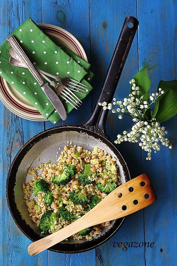 Kasza jaglana z brokułami i cieciorką w 25 minut
