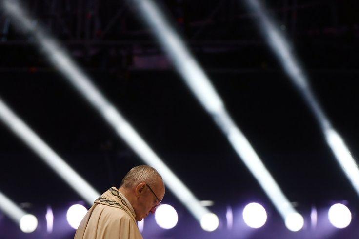 Najlepsze zdjęcia z wizyty papieża Franciszka w Polsce -papiez na czuwaniu w Brzegach