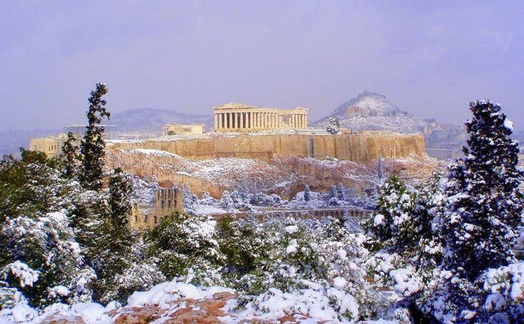 Зима как понятие для Греции совершенно относительное. Какая же может быть зима при температуре +19С? Разве это холод? Поэтому жизнь в этой стране что летом,